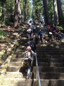久遠寺階段
